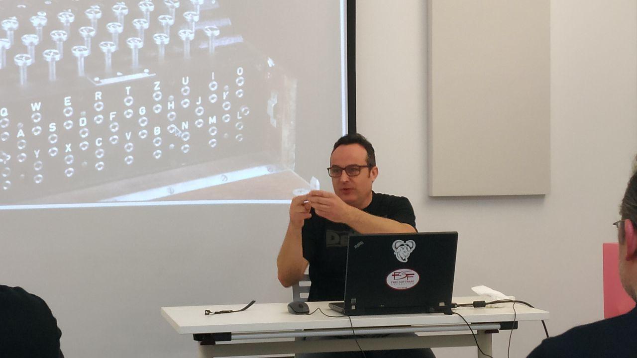 javier-sepulveda-conferencia-criptografia